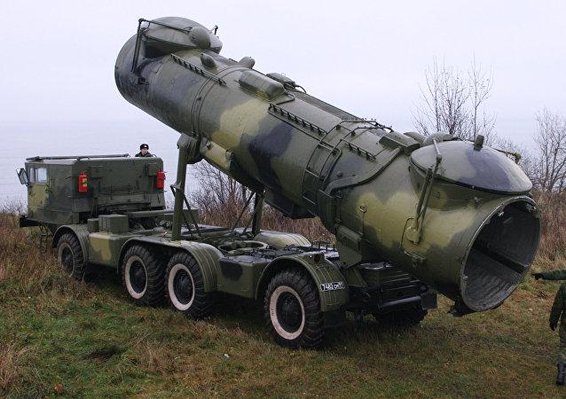 Variante móvel do lançador de mísseis de cruzeiro P-35 (arquivo)