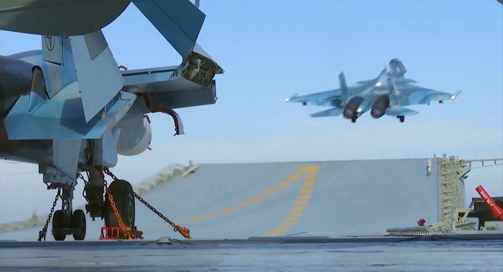 Vários navios russos se juntaram à campanha contra o terrorismo na Síria. A operação envolveu a fragata Admiral Grigorovich, equipada com mísseis Kalibr, os sistemas costeiros de mísseis Bastion e, pela primeira vez na história, o porta-aviões Admiral Kuznetsov