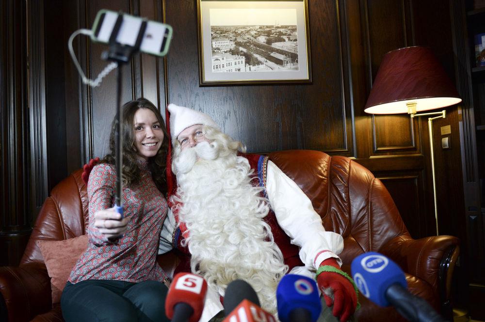 O Joulupukki,  ou Papai Noel na tradição finlandesa, visitou em 15 de novembro a cidade russa de Ekaterimburgo