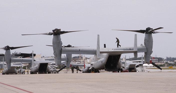 Os novos MV-22 Ospreys na Marine Corps Estação Aérea de Futenma em Ginowan, Okinawa