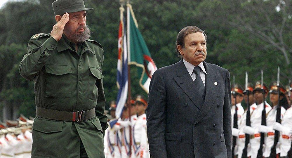 Fidel Castro e Abdelaziz Bouteflika, em Havana, 15 de abril de 2000