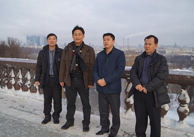 Norte-coreanos em Moscou conversaram com Sputnik sobre as condições de trabalho na Rússia