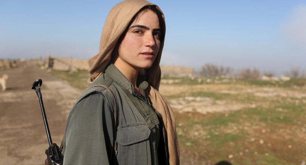 Mulher curda