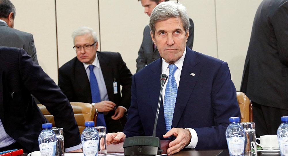 Secretário de Estado dos EUA, John Kerry, em encontro com ministros das Relações Exteriores da OTAN, em Bruxelas, nesta terça-feira, 6 de dezembro
