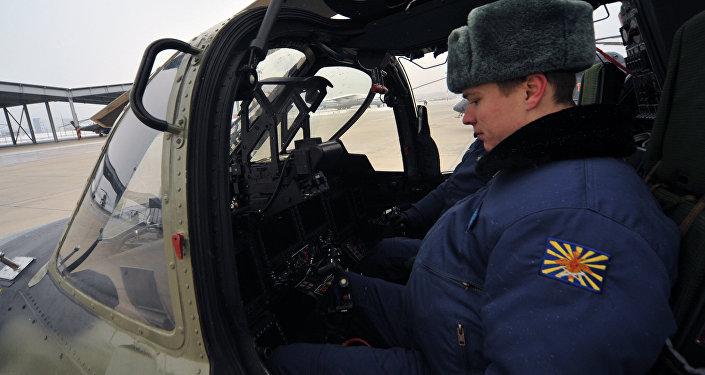 Helicóptero russo Ka-52 Alligator, vista do cockpit