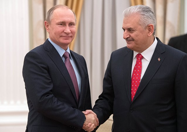 Presidente russo Vladimir Putin durante o encontro com o primeiro-ministro turco Binali Yildirim. 6 de dezembro, 2016