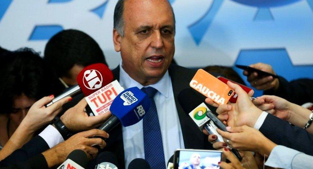 Luiz Fernando Pezão em entrevista coletiva após reunião com Michel Temer