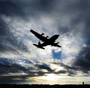 Avião C-130