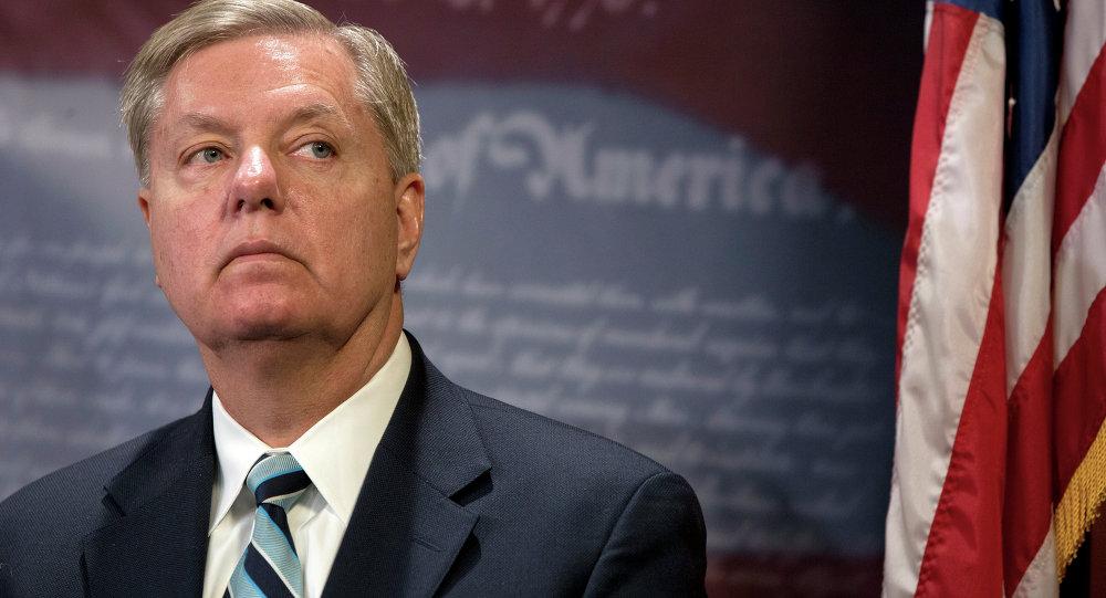 Lindsey Graham, autor da proposta junto com o senador Bob Menendez