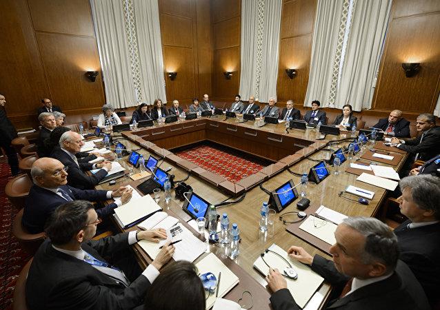 Reunião para discutir o processo de paz na Síria no escritório da ONU em Genebra, Suíça (foto de arquivo)
