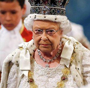 Rainha Elizabeth II, do Reino Unido, custa menos para os cofres públicos do que a ex-presidenta brasileira Dilma Rousseff, segundo autor de projeto em favor da monarquia