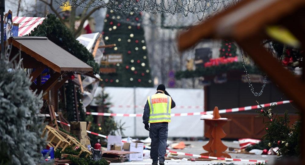 Camião mata pelo menos nove pessoas em mercado de Natal de Berlim