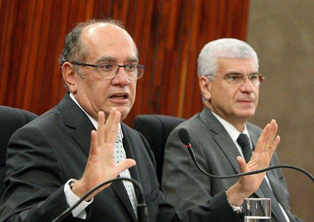 Entrevista coletiva com ministro Gilmar Mendes