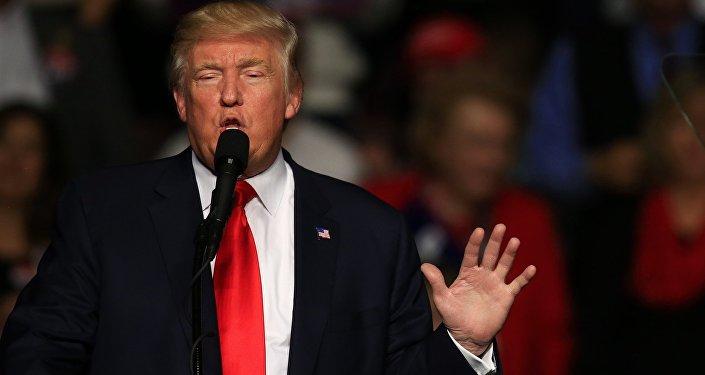 O presidente Donald Trump durante encontro com eleitores no Estado da Pensilvânia, 16 de dezembro de 2016