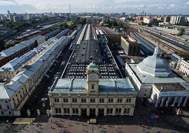 Vista pela estação ferroviária Liningradsky em Moscou, Rússia (foto de arquivo)