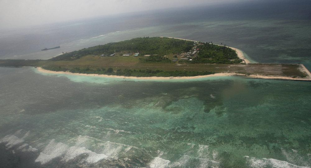 Ilha artificial da China perto das ilhas disputadas Spratly