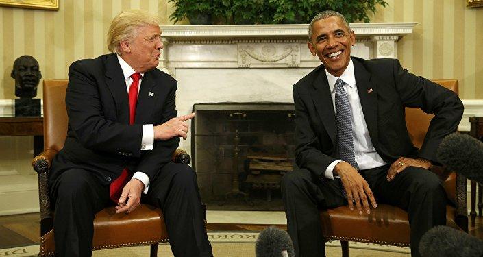 O chefe de Estado dos EUA, Barack Obama, recebendo o presidente eleito, Donald Trump, na Casa Branca, em 10 de novembro de 2016