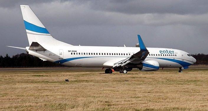 Um Boeing 737-800 da companhia aérea polonesa Enter Air  (arquivo)