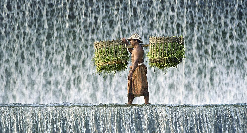 Um homem indonésio