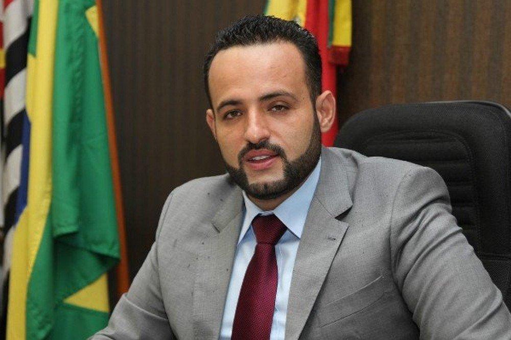 Prefeito eleito e foragido de Embu das Artes (SP), Ney Santos