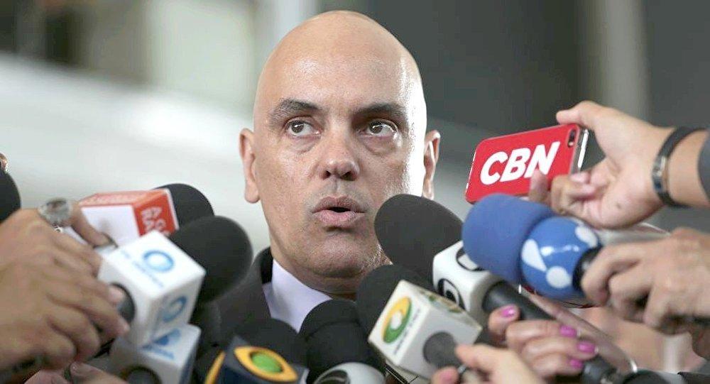 Moraes autoriza acesso de advogados ao inquérito sobre fake news