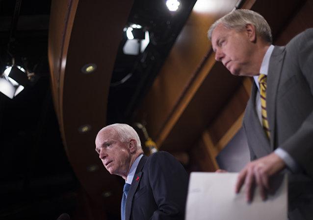 Lindsey Graham e John McCain