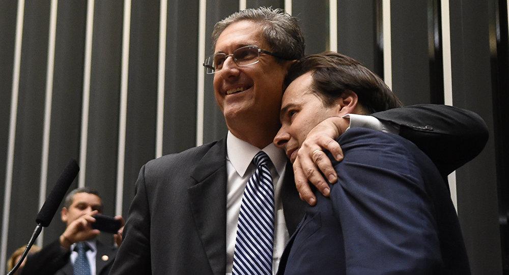 Rogério Rosso, candidato à presidência da Câmara dos Deputados e o atual presidente Rodrigo Maia
