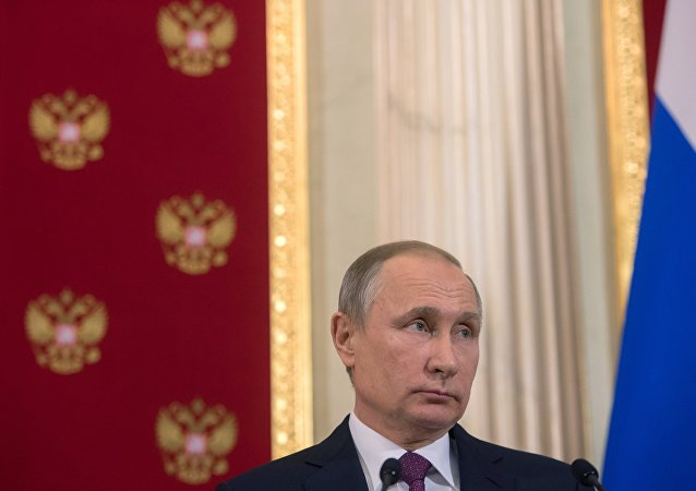 Presidente russo Vladimir Putin durante a coletiva de imprensa conjunta com o presidente da Moldávia, Igor Dodon, Kremlin, Moscou, Rússia, 17 de janeiro de 2017