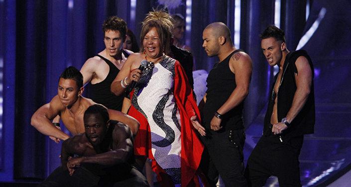 Loalwa Braz, se apresenta durante o Latin Billboard Awards, 26 de abril de 2012