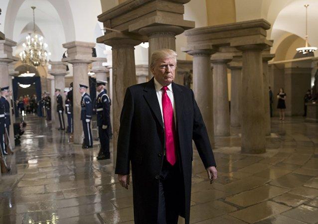 O novo presidente dos EUA Donald Trump no Capitólio dos EUA em Washington, antes da posse, 20 de janeiro de 2017