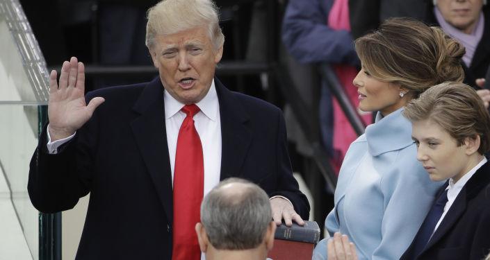 Presidente dos EUA, Donald Trump, durante juramento em Washington