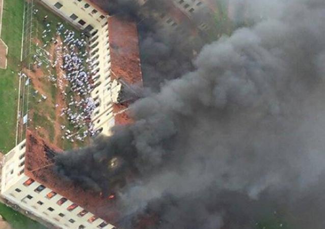 Centro de Progressão Penitenciária CPP 3 Prof. Noé Azevedo, em Bauru/SP, pegando fogo