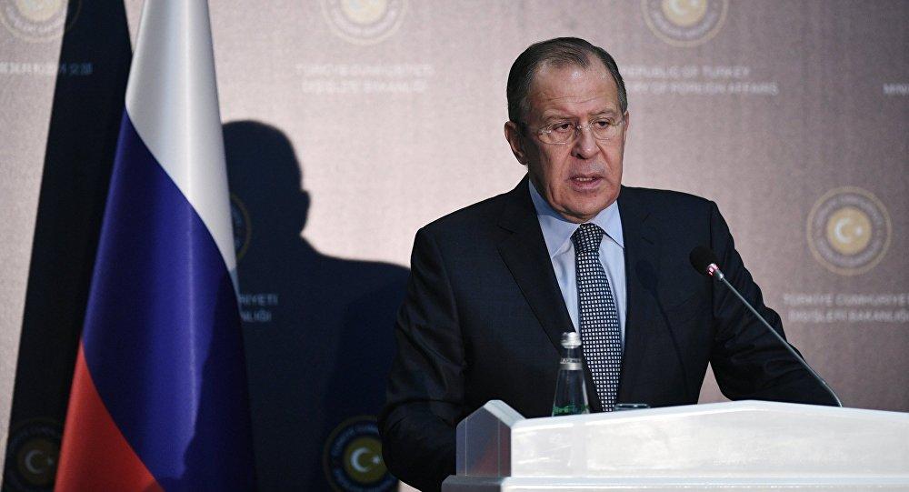 Ministro das Relações Exteriores da Rússia Sergei Lavrov durante uma coletiva de imprensa após reunião com seu homólogo turco Mevlut Cavusoglu, 1 de dezembro de 2016