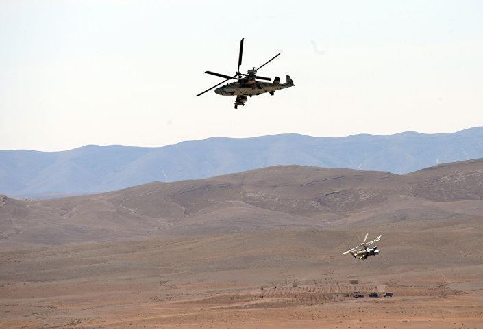 Ka-52 Alligator durante missão na Siria