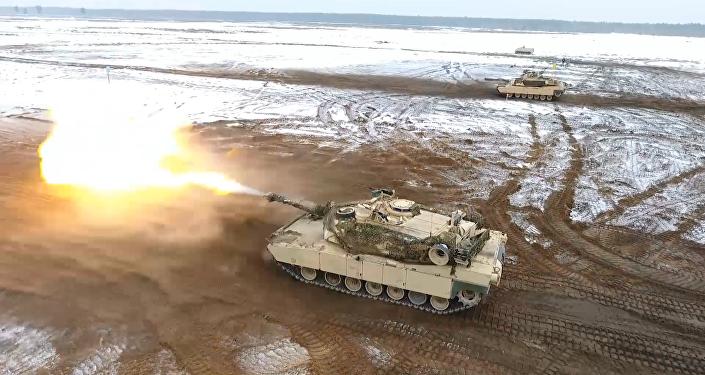 Tanques M1 Abrams participam nos exercícios na Polônia