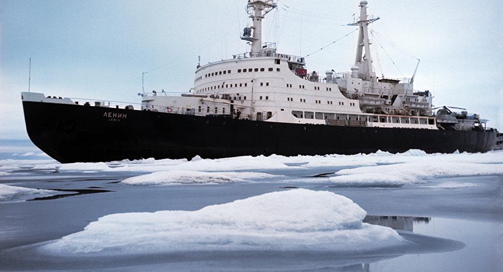 Quebra-gelos Lenin no Ártico, foto de arquivo