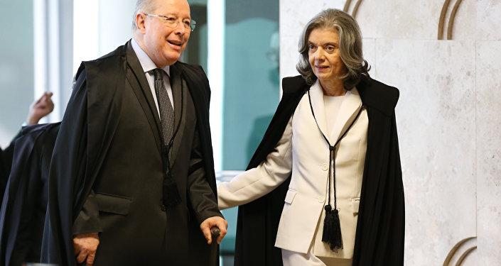 Ministra Cármen Lúcia, presidente do STF, e o ministro Celso de Mello