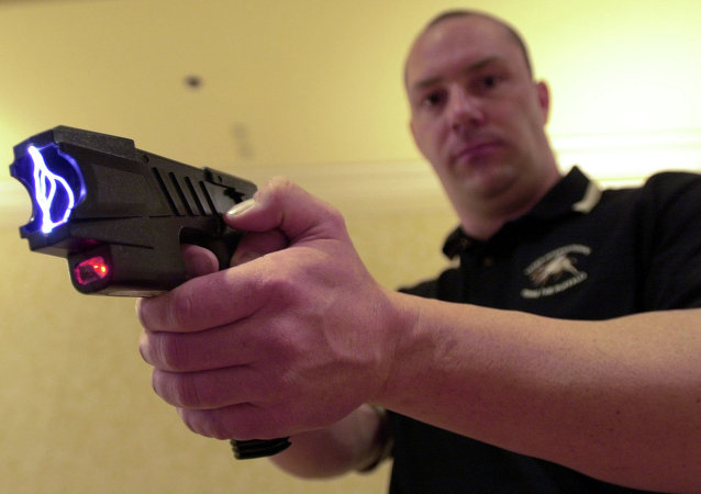 Pistola elétrica Taser (foto de arquivo)