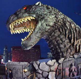 Cabeça de Godzilla no Hotel Gracery Shinjuku, em Tóquio