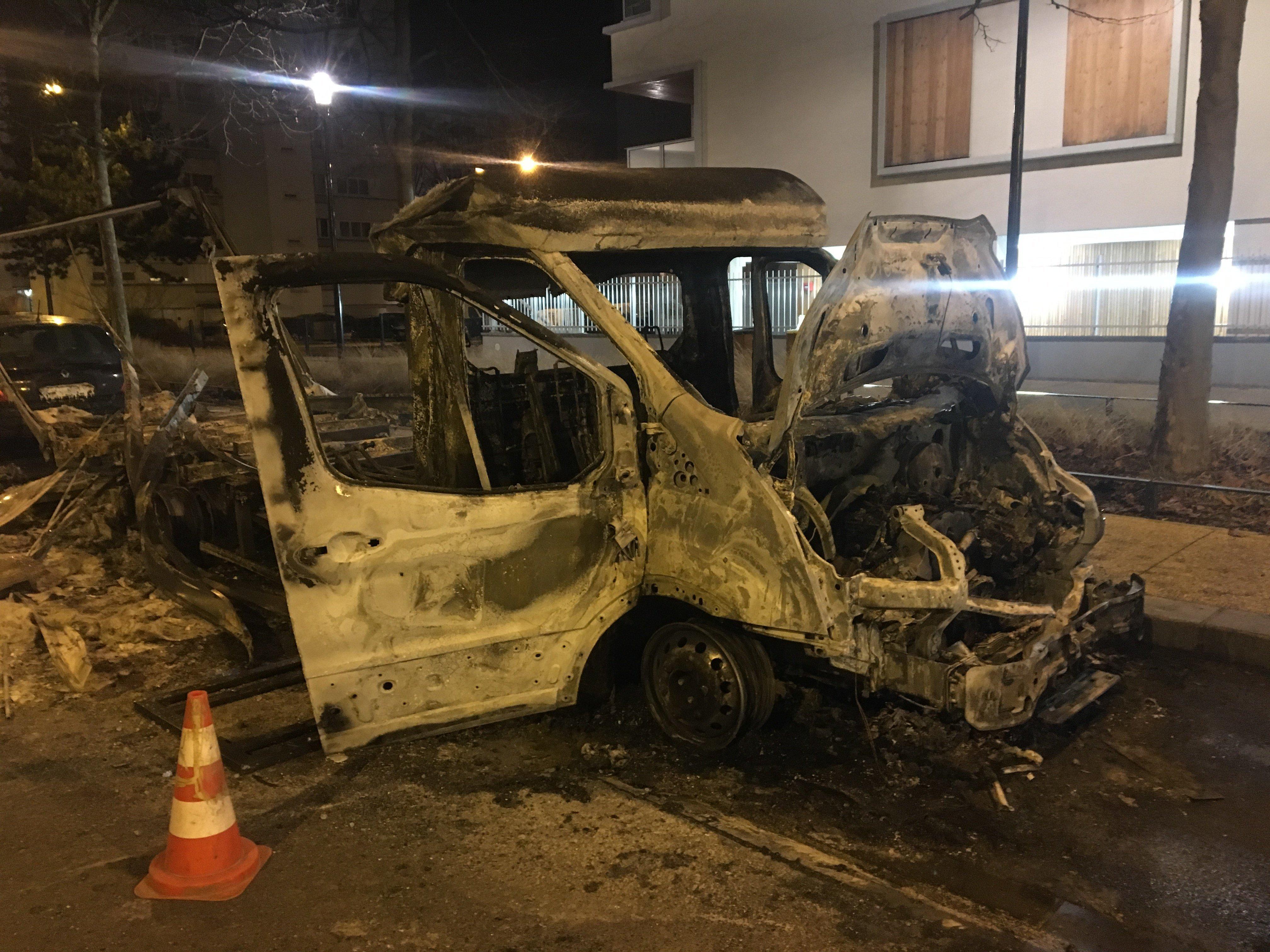 Consequências de protestos contra brutalidade policial na cidade de Bobigny, França