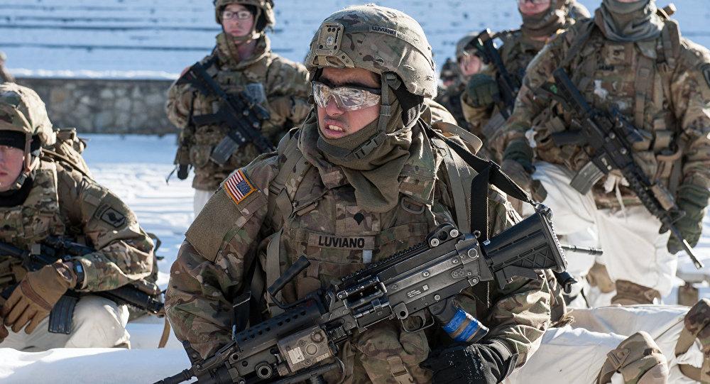 Demonstração de material militar da OTAN