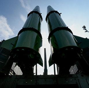 O sistema de mísseis balísticos Iskander-M exposto no fórum militar EXÉRCITO 2017