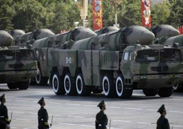 Bomba guiada de precisão chinês
