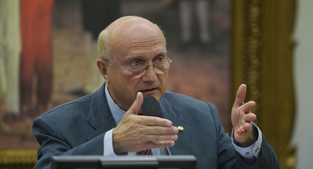 Osmar Serraglio durante reunião da Comissão de Constituição e Justiça da Câmara em 13 de julho de 2016
