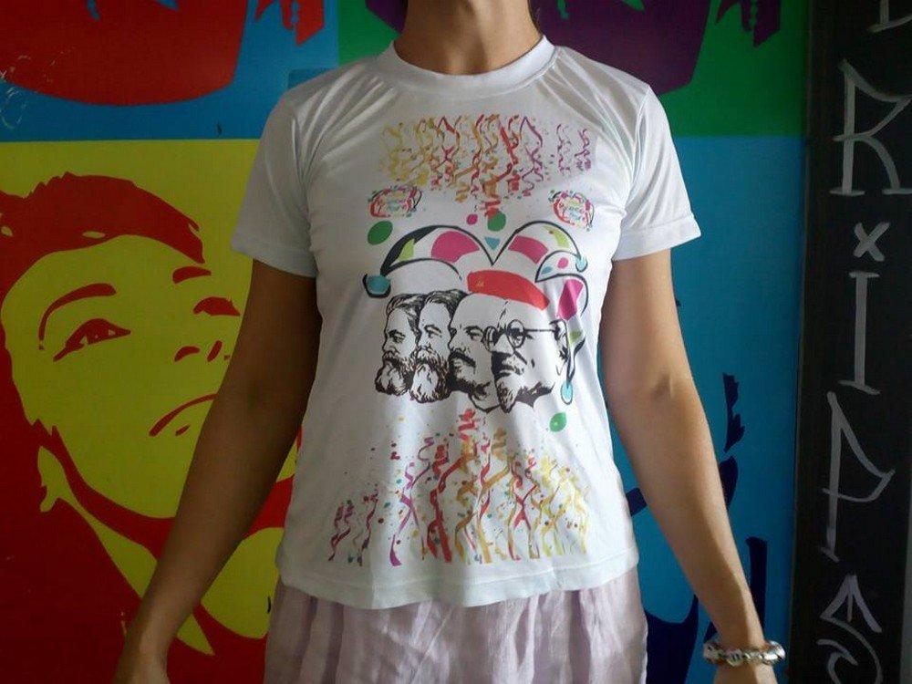 O Bloco Libre criou uma blusa especial para o desfile deste ano para celebrar os 100 anos da Revolução Russa