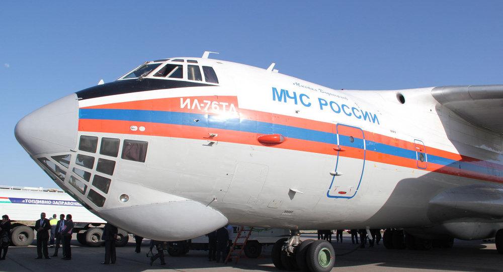 Avião Il-76 do Ministério de Emergências russo usado em combate a incêndios