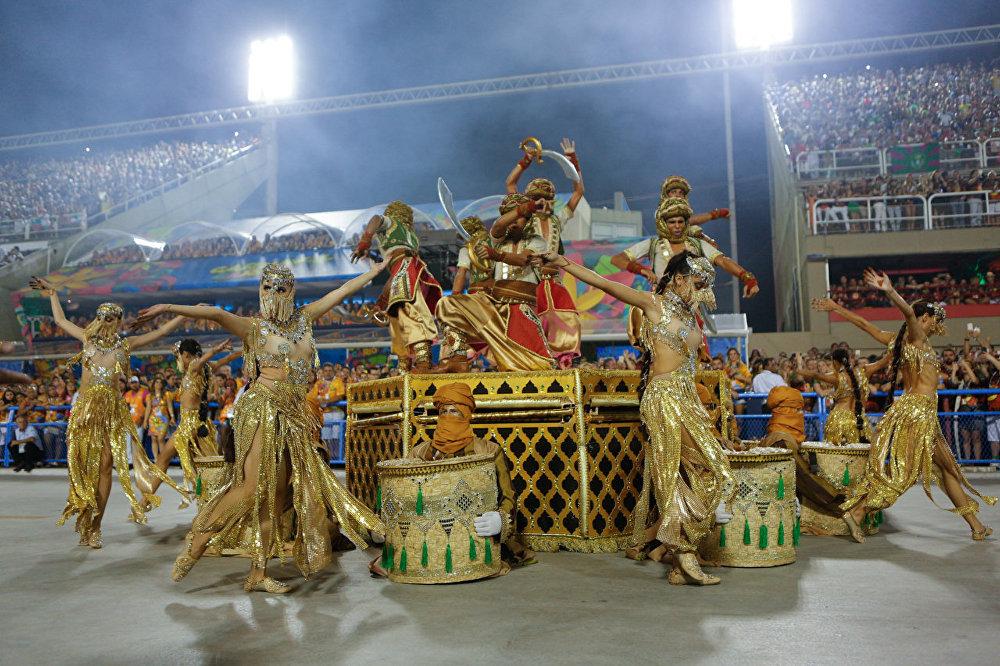 Mil e uma noites na Sapucaí - desfile da Mocidade