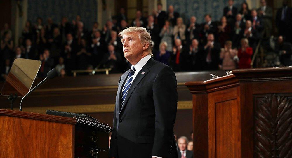 Presidente dos EUA Donald Trump durante discurso na sessão do Congresso dos EUA, 28 de fevereiro de 2017