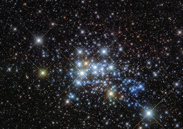 A maior estrela da Via Láctea Westerlund 1-26
