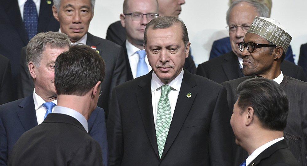 Recep Tayyip Erdogan posa com outros líderes mundiais durante uma Cúpula de Segurança Nuclear em Washington
